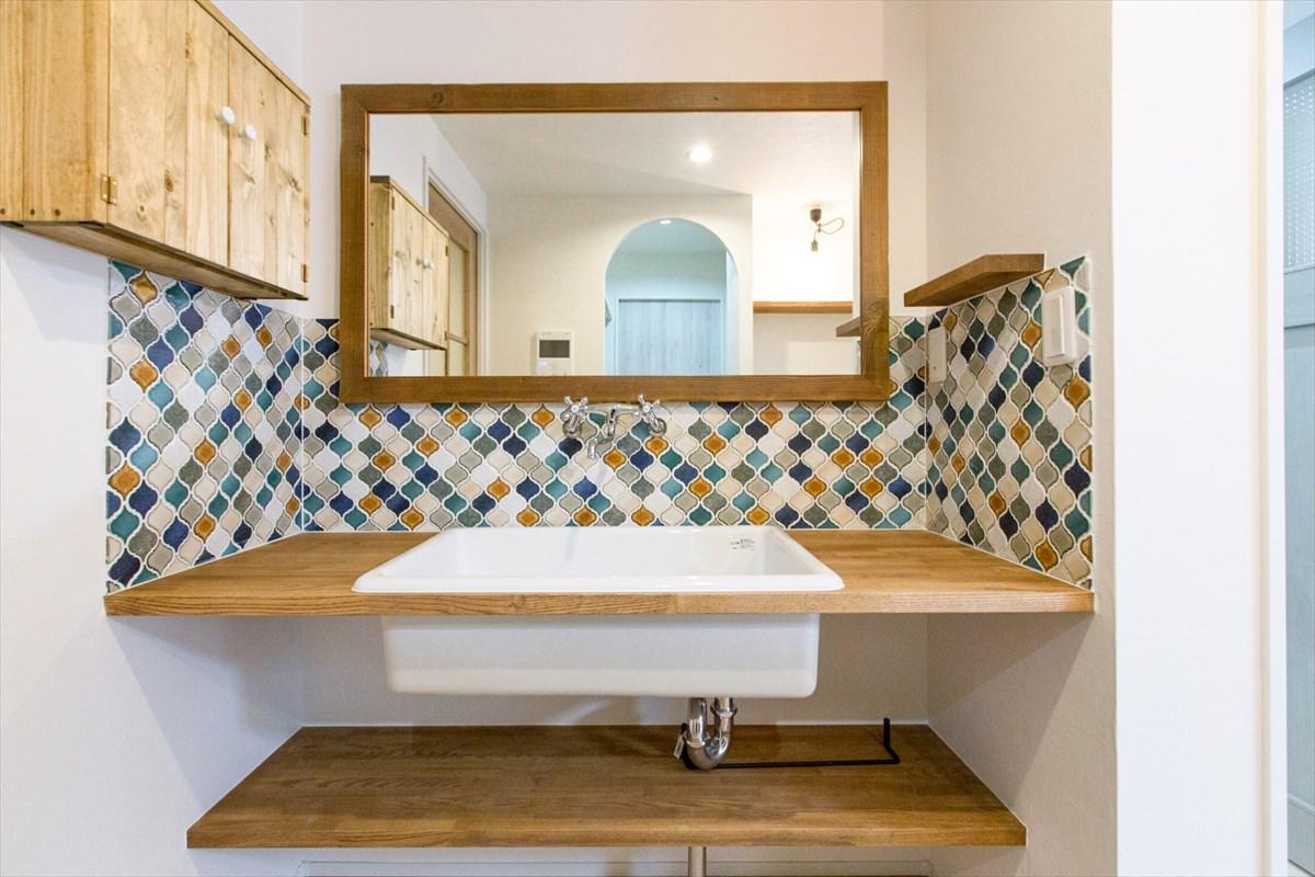 おしゃれな洗面手洗いスペースは造作で