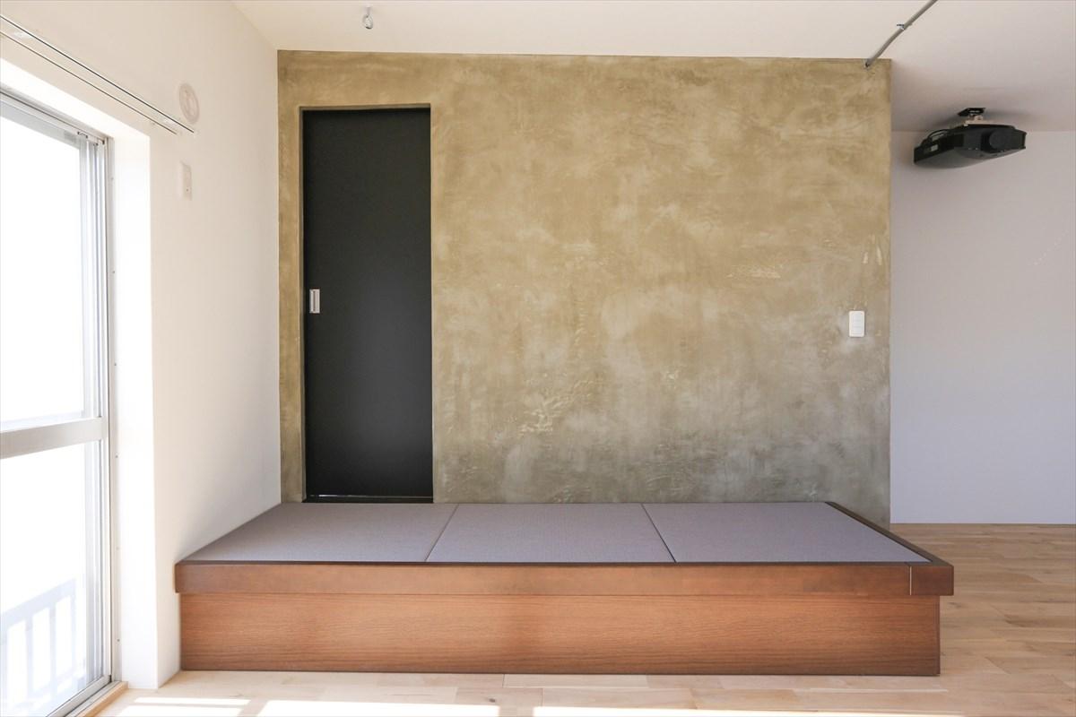 畳空間とプロジェクター鑑賞リノベーション