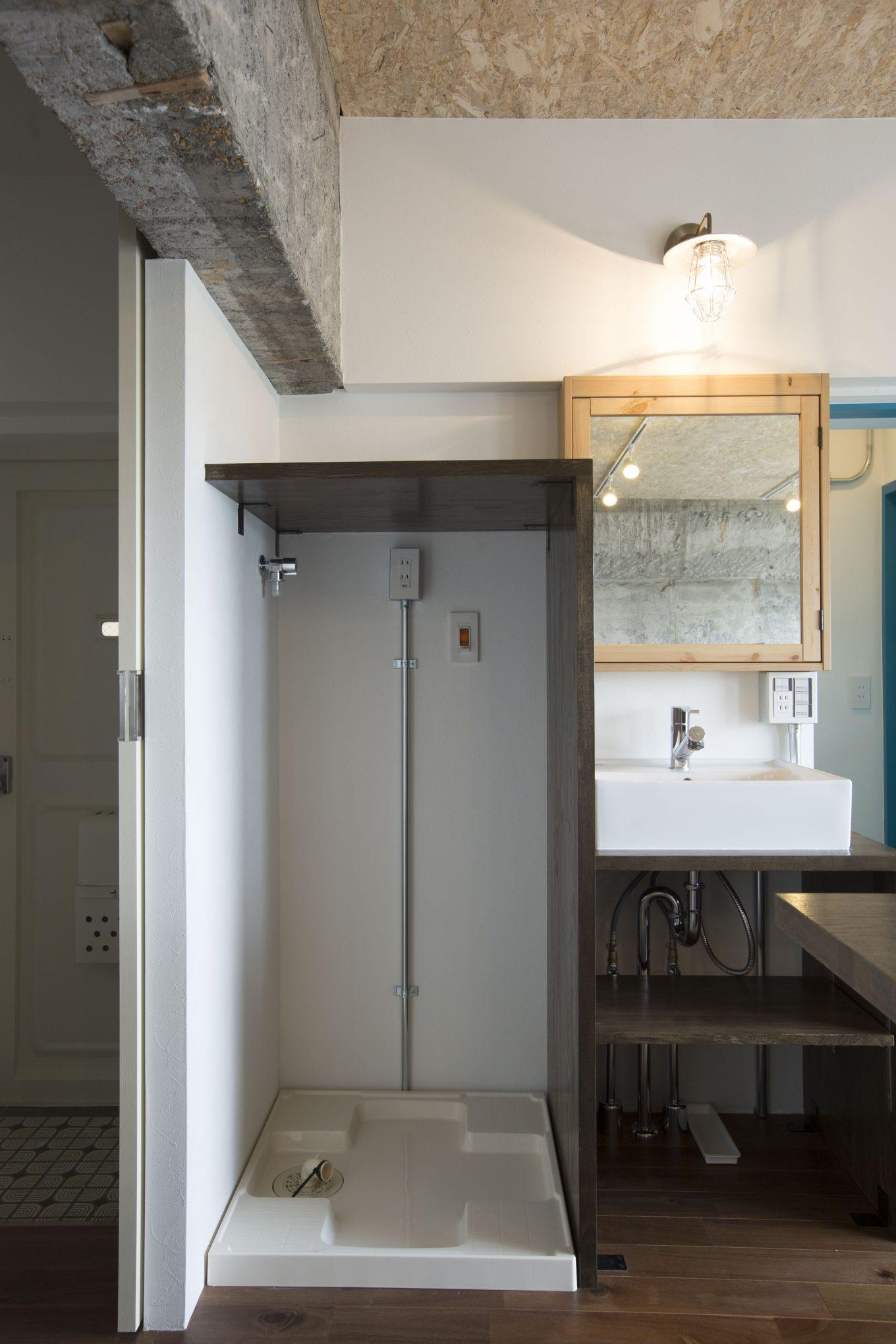 洗濯機置き場をデザインし、おしゃれにリノベーション