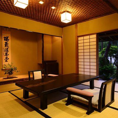 箱根旅館宿泊ウェディング・家族挙式の和室の様子