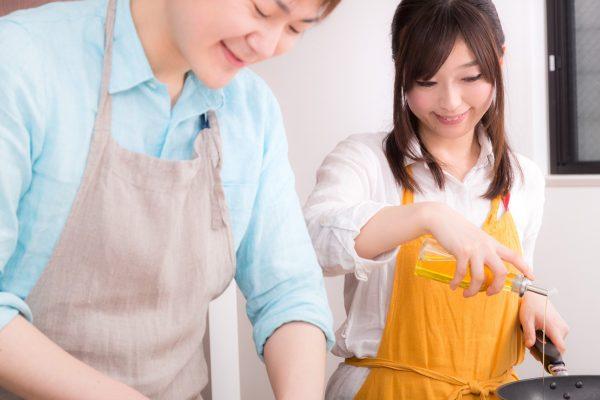 結婚を機に家で過ごす時間が増える夫婦像