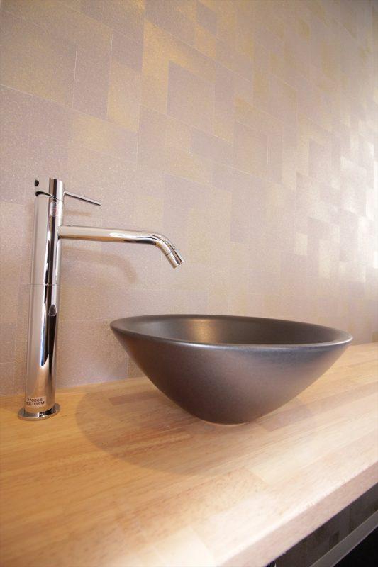 和モダンの手洗いスペース|横浜リノベーション