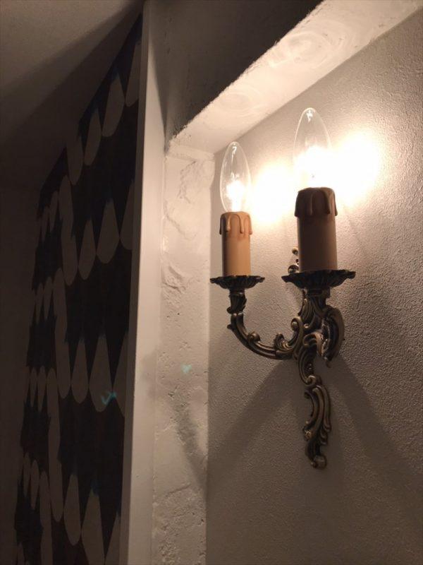 ろうそくデザインの壁付照明|ウェディングリノベーション