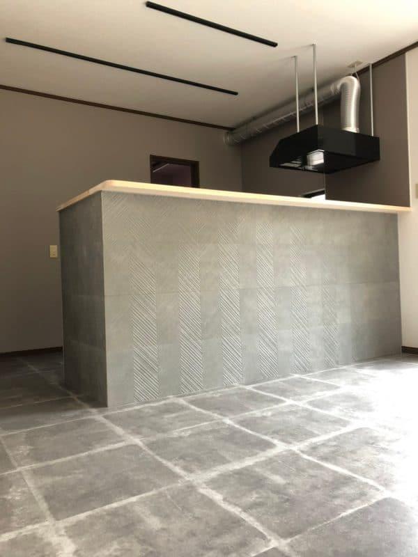 照明設置前のキッチン|ウェディングリノベーション