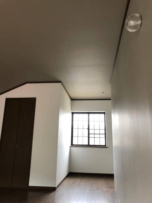 壁に埋め込んだ照明|ウェディングリノベーション