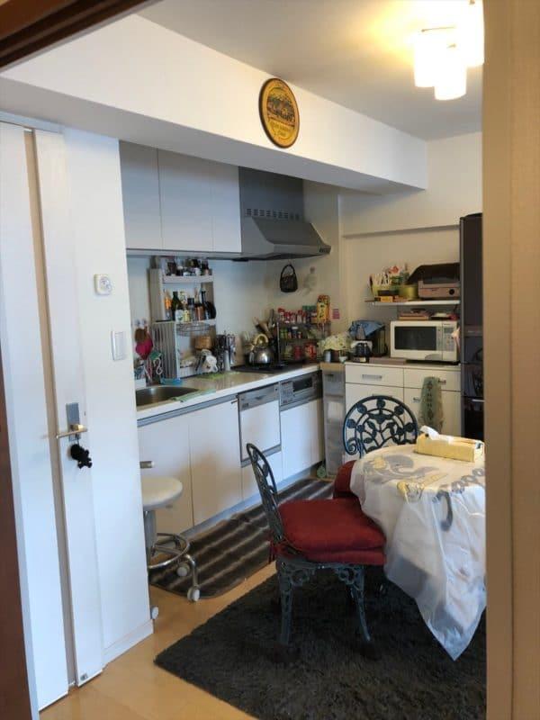 リノベ前の壁付けキッチン|ウェディングリノベーション