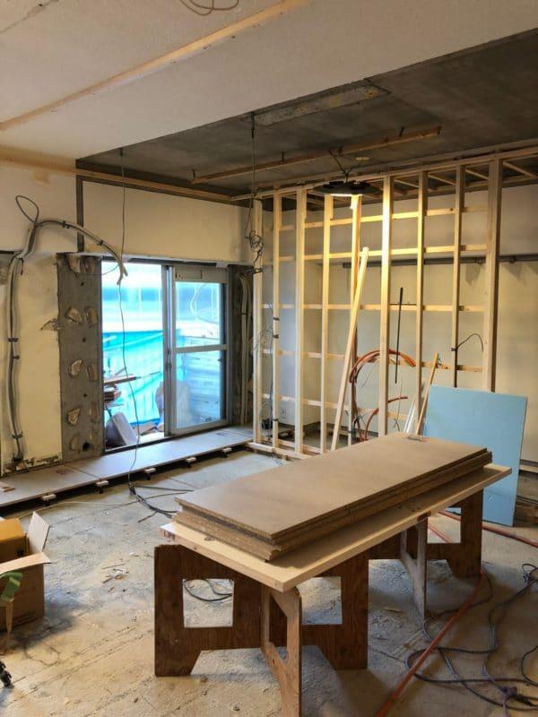 壁際に新たな壁を造るしかけ収納の基礎|ウェディングリノベーション